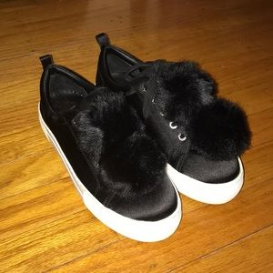 Shoes - PomPom Sneakers